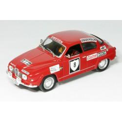 1972 SAAB 96 V4 Coupé – 1. místo, vítěz Swedish Rally 1972, S. Blomquist / A. Hertz – IXO 1/43